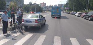 """В ДТП на """"зебре"""" в Новосибирске автобус порвал ухо школьнику"""