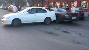 ДТП двух авто перекрыло движение в центре Новосибирска
