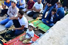 Полиция и Росгвардия ловили мигрантов в мечети на Хилокском рынке