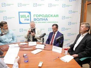 Мэр Анатолий Локоть принял участие в дебатах