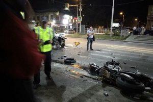 ДТП в центре Бердска - погиб мотоциклист, двое в больнице
