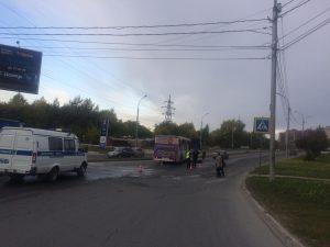 """Автобус сбил насмерть девушку на """"зебре"""" в Новосибирске"""