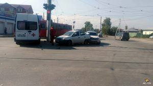 Массовое ДТП в Ленинском районе Новосибирска - пострадал человек