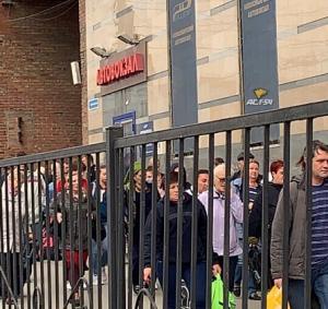 Полиция эвакуирует людей на автовокзале в Новосибирске