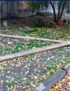 В Новосибирске рабочий упал со строительных лесов и погиб