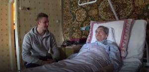 101-летнюю болельщицу «Сибири» поздравили с днём рождения