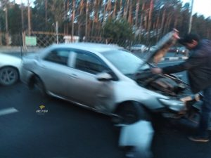 """Пять авто столкнулись """"паровозиком"""" в Советском районе Новосибирска"""