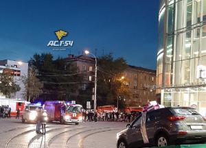В Новосибирске полиция и пожарные съехались к торговому центру