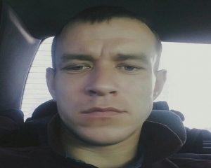 Худой мужчина с серо-голубыми глазами пропал в Новосибирске