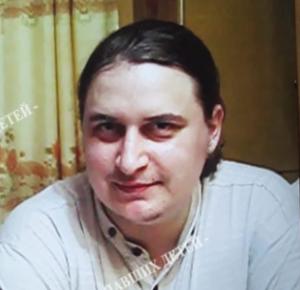 Плотного мужчину с заострённым носом ищут в Новосибирской области