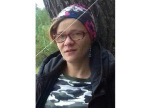Волонтеры нашли живой пропавшую под Новосибирском женщину в розовых брюках