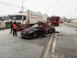 Водитель спорткара Mazda RX-8 разбился насмерть на трассе в Бердске