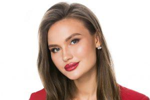 Корону «Мисс офис 2019» получила маркетолог из Новосибирска