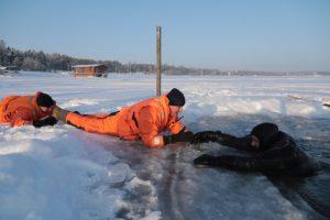 Акцию «Безопасный лед» провели спасатели Новосибирской области