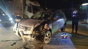 Женщину зажало в автомобиле «Жигули» в Кировском районе