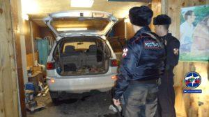 В гараже Новосибирска обнаружили труп