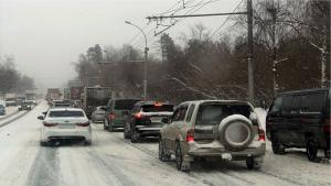 Фуры провоцируют пробки на улицах Новосибирска