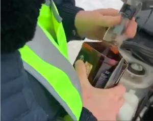 Виски вместо незамерзайки залил новосибирский полицейский