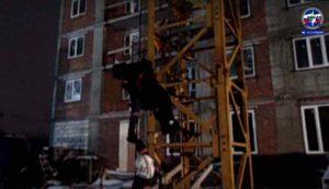 В Новосибирске женщину эвакуировали с башенного крана