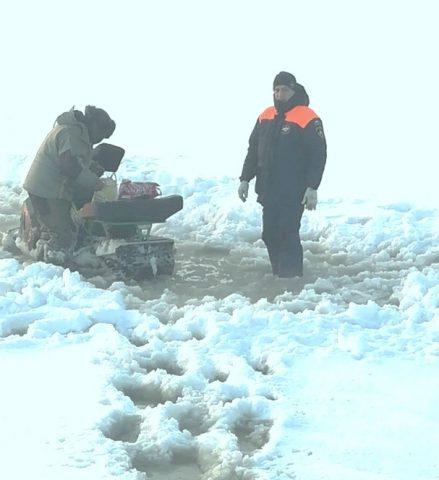 Спасатели трижды за день приходили на помощь рыбакам на Новосибирском водохранилище