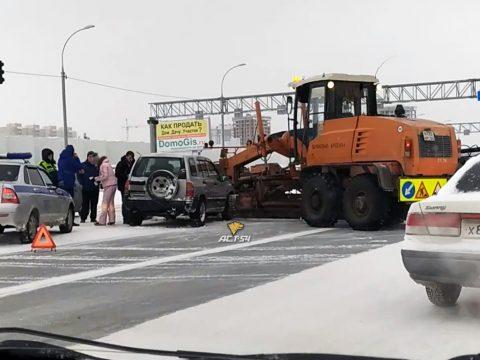Chevrolet врезался в снегоуборочную технику