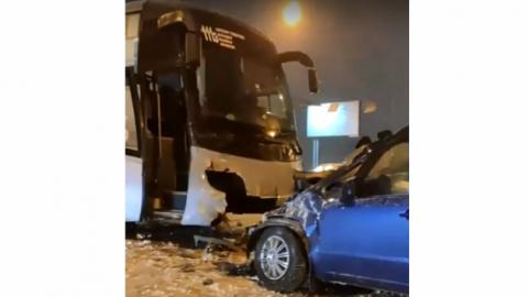 На Димитровском мосту участником ДТП стал рейсовый автобус