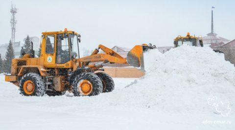 Более 50 тысяч кубических метров снега вывезли за праздники из Новосибирска