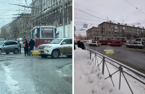 Запретить трамваи в городе требуют новосибирцы