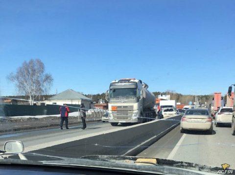 На Бердском шоссе в Новосибирске огромная пробка