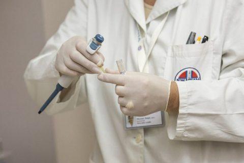 Тестов на коронавирус станут делать больше в Новосибирске