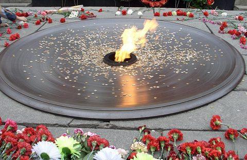 В Новосибирске отреставрируют чашу Вечного огня на Монументе Славы