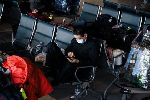 Граждан Киргизии и Узбекистана выгнали из аэропорта в Новосибирске
