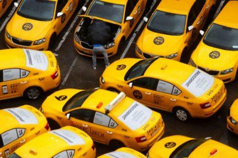 В Новосибирске бастуют таксисты