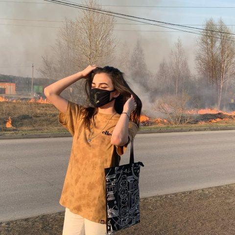 В Новосибирске девушка подожгла поле, чтобы сделать фото
