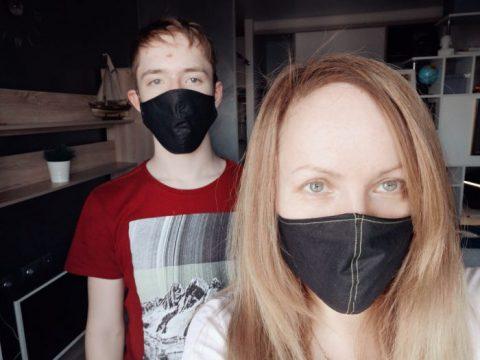 На 180 рублей в день живет новосибирская поп-звезда в самоизоляции
