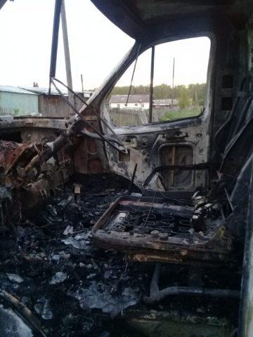 В Новосибирской области варварски сожгли «Газель»