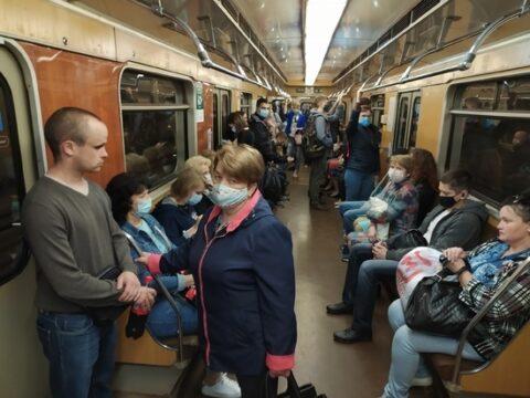 Масочный режим не соблюдают большинство Новосибирцев