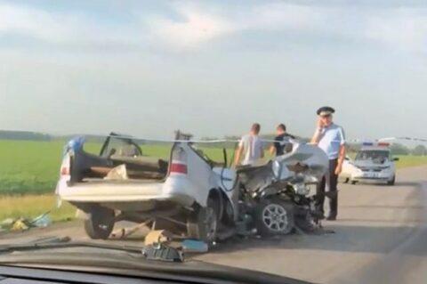 Смертельное ДТП под Новосибирском: тойота против грузовика