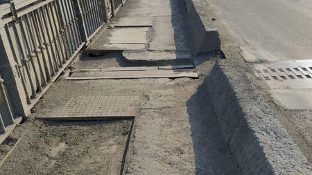 Октябрьский мост в Новосибирске разрушается