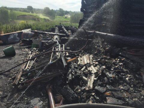 Житель НСО застрелил любовника сожительницы и поджёг его дом