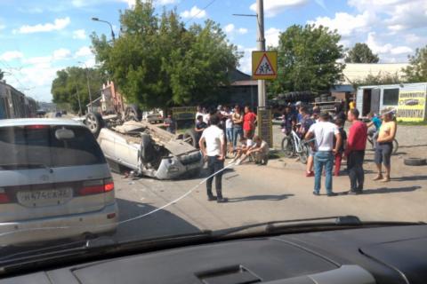 ДТП на Волочаевской — машина перевернулась на крышу