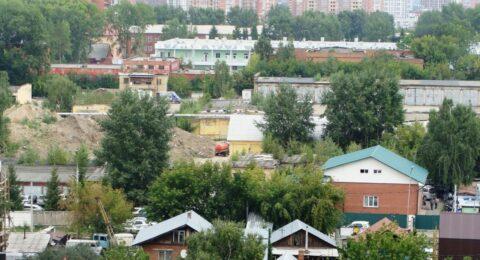 В центре Новосибирска ассмашины сливают фекалии