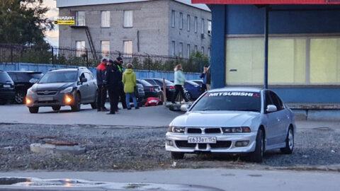 Пьяного мужчину на дороге приняли за труп в Новосибирске