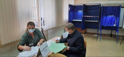 Мэр Локоть проголосовал на выборах в горсовет и заксобрание