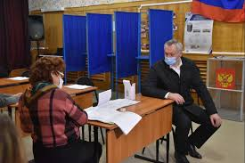 На выборах проголосовал губернатор Андрей Травников