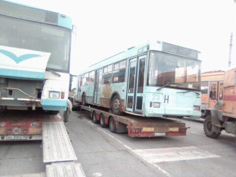 В Новосибирск прибыли ржавые троллейбусы из Твери