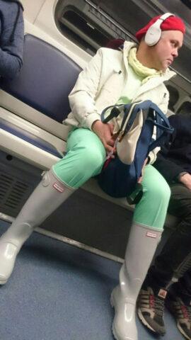 В Новосибирском метро проехался необычный пассажир
