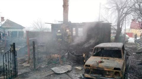 При пожаре в Новосибирской области погибли 4 человека