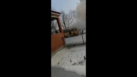 В Новосибирской области загорелся школьный автобус