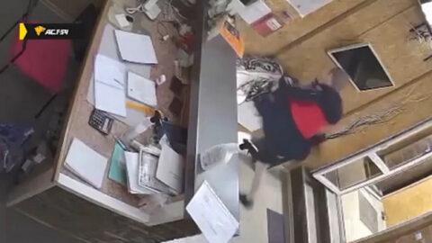 В Новосибирске мужчина жестоко избил женщину за отказ пройти в номер гостиницы
